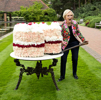MARY BERRY DIGS IN