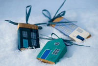 wooden beach hut decorations